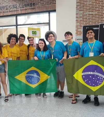 Alunos de escola pública brasileira ganham prata em Olimpíada Internacional de Linguística