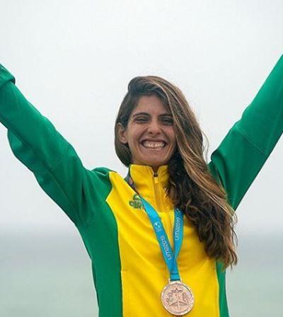 A surfista brasileira Nicole Paceli disputou Pan grávida e ganhou bronze