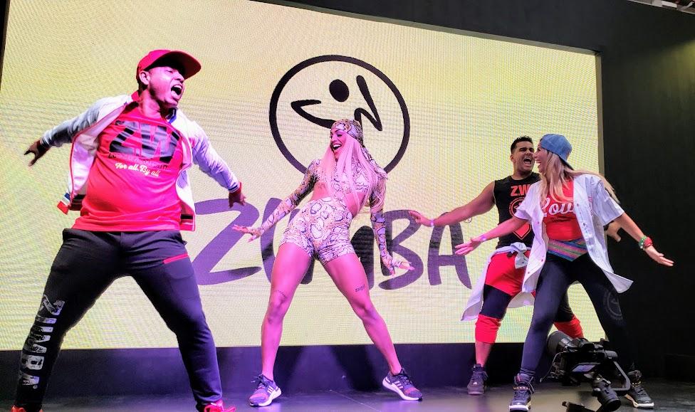 Pabllo Vittar mostra coreografia com a Zumba