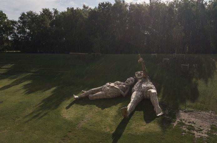esculturas gigante madeira Bélgica 11