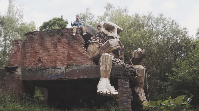 esculturas gigante madeira Bélgica 13