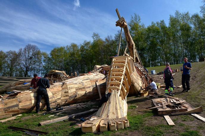 esculturas gigante madeira Bélgica 15