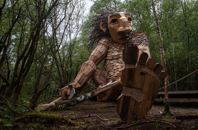 esculturas gigante madeira Bélgica 6