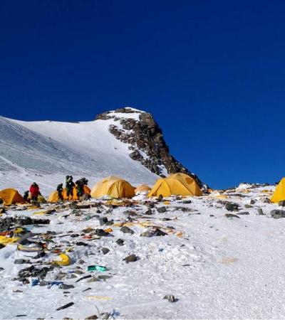 Nepal proíbe a presença de plásticos descartáveis no Everest