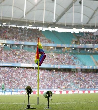 Contra homofobia, Bahia lança manifesto e coloca arco-íris em bandeira de escanteio