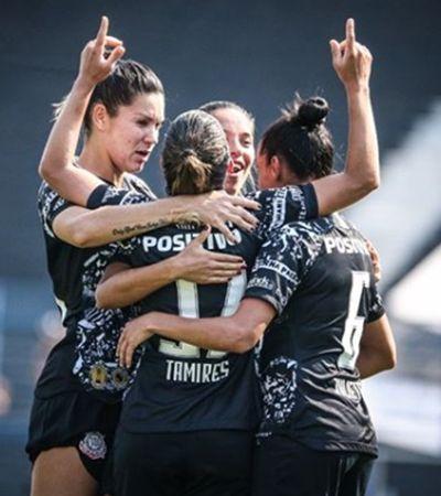 Torcida do Corinthians se mobiliza por final do Brasileirão feminino na Arena