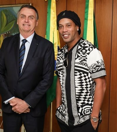 Proibido de sair do Brasil, Ronaldinho Gaúcho se torna embaixador do turismo