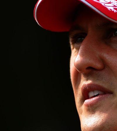 Schumacher dá entrada em hospital para tratamento misterioso em Paris