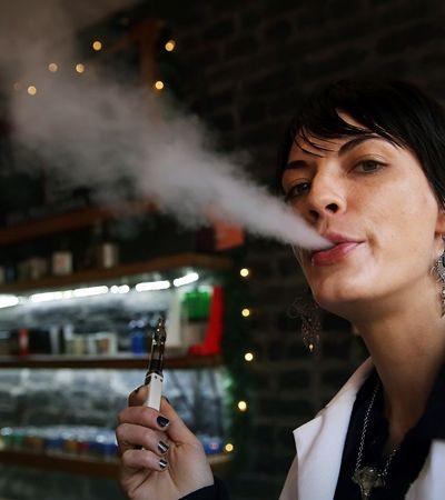 Nova York proíbe venda de cigarros eletrônicos com sabor