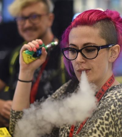 Michigan torna-se primeiro estado dos EUA a banir cigarro eletrônico