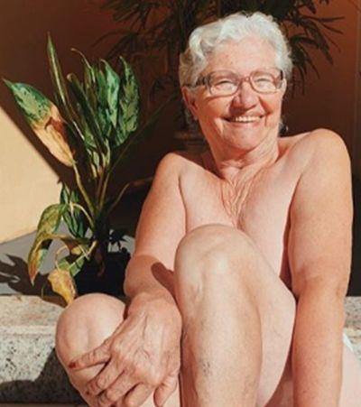 A maravilhosa Dona Dirce: influencer de 72 anos que posa nua e curte funk