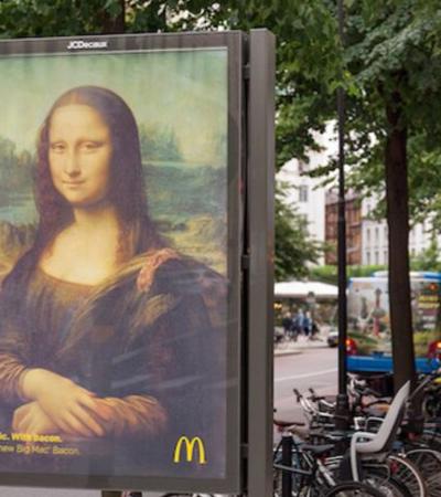 McDonald's substitui anúncios por obras de arte famosas transformando cidade em museu
