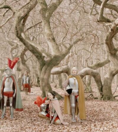 Poderosa série de fotos transforma mulheres em guerreiras medievais