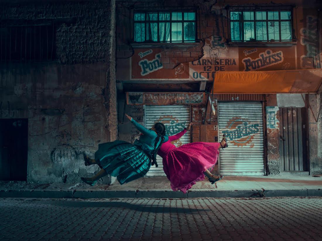 flying-cholitas-2