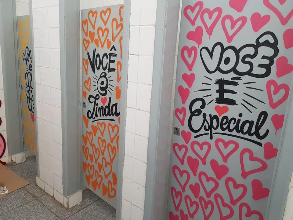 mensagens de esperança banheiro escola 6