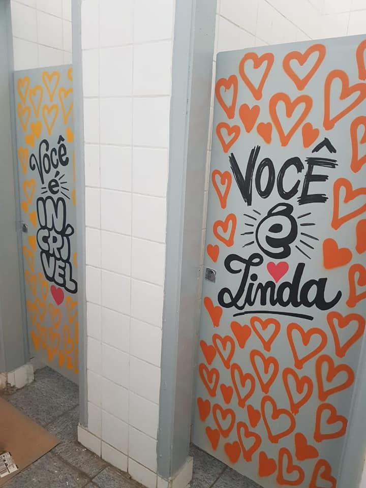 mensagens de esperança banheiro escola 7