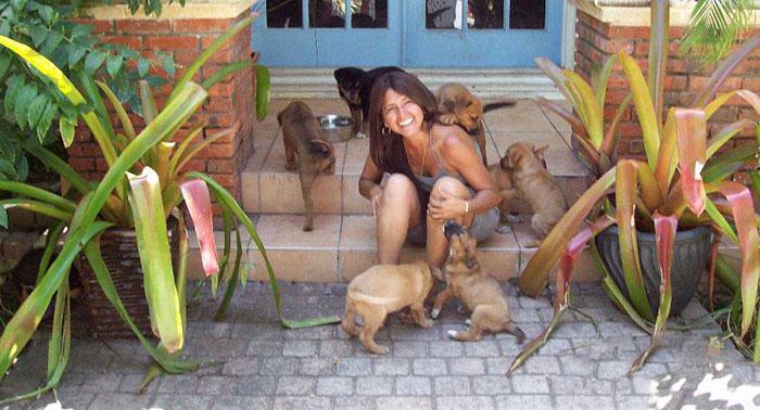 mulher abriga 97 cães dorian 8