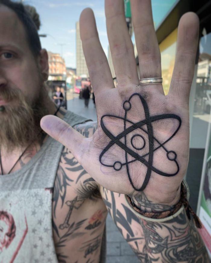 tattoo palma da mão 11