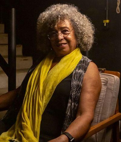 'Democracia baseada na supremacia branca?'. Em SP, Angela Davis não vê liberdade sem mulheres negras