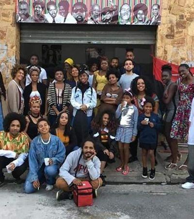 Com autores negros, biblioteca na quebrada aposta na subversão contra o racismo