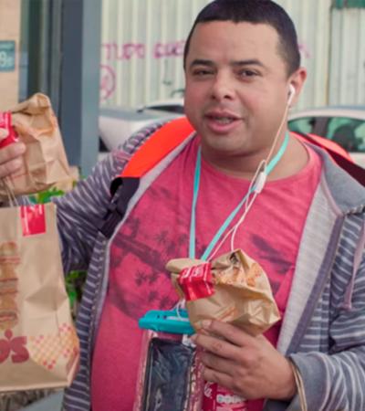 Bob's se une ao Rappi e Coca-Cola para surpreender entregadores