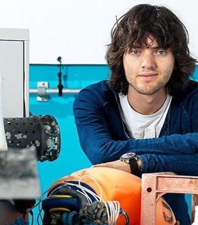 Quem é Boyan Slat, jovem que pretende despoluir oceanos até 2040