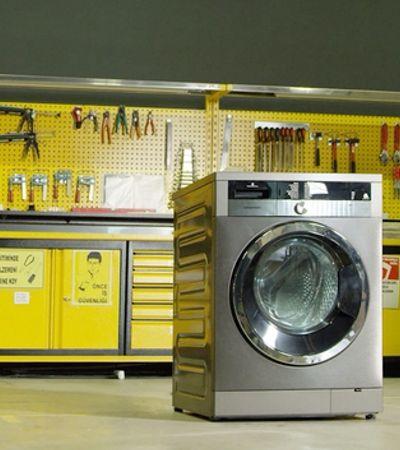 Esta máquina de lavar retém fios das roupas e evita poluição