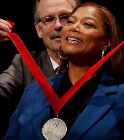 Queen Latifah recebe homenagem em Harvard por contribuição à cultura negra
