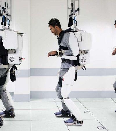 Homem com tetraplegia volta a andar com exoesqueleto comandado por seu cérebro