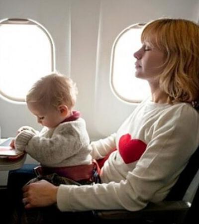 Companhia aérea cria ferramenta polêmica que permite escolher assentos longe de bebês