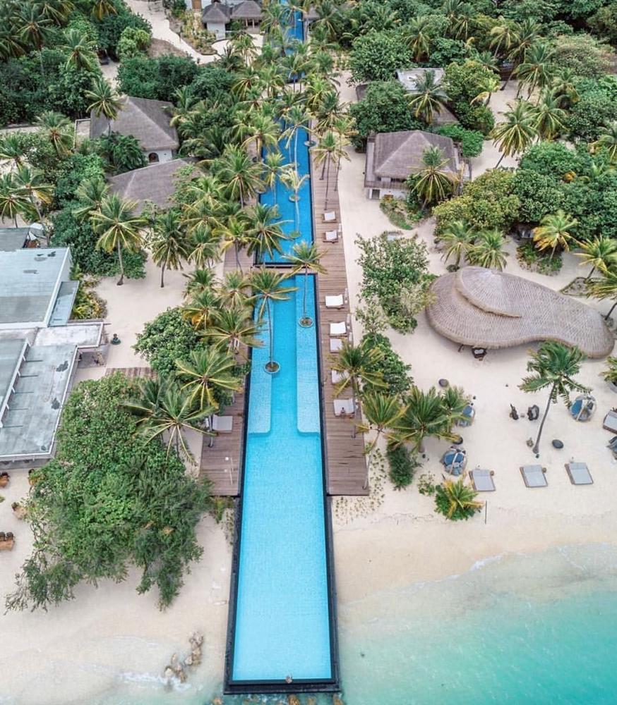 piscina atravessa ilha maldivas 1