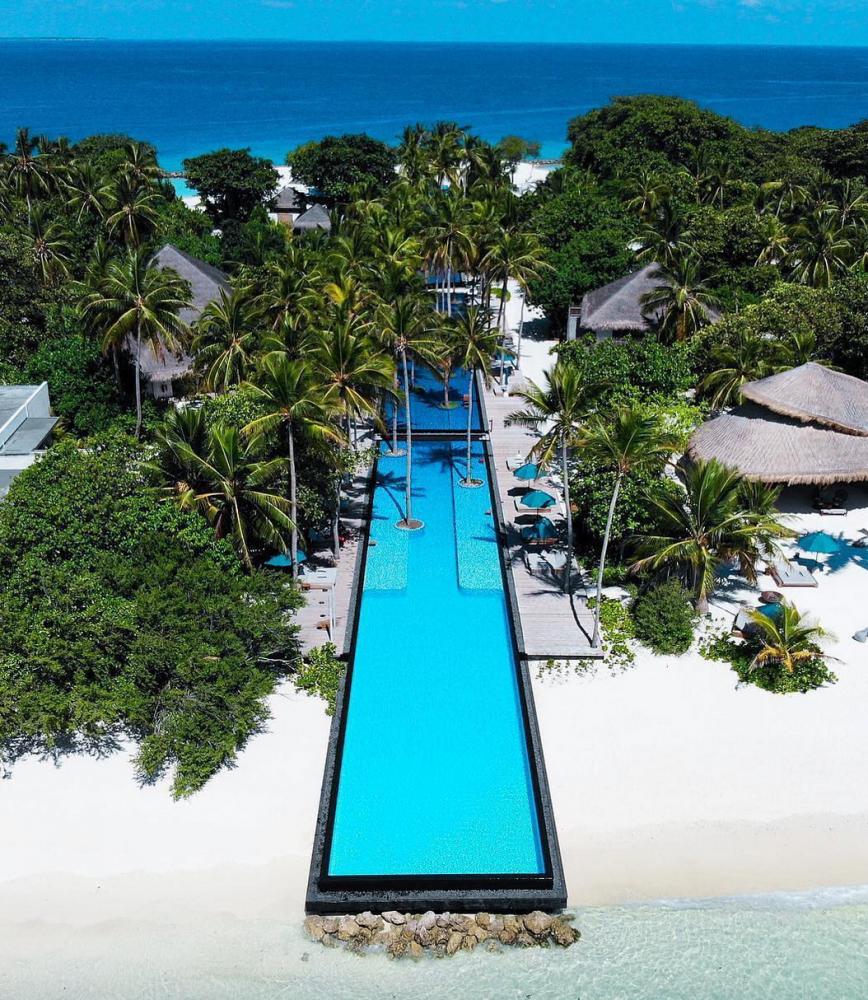 piscina atravessa ilha maldivas 6