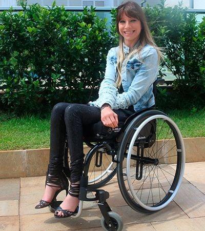 CEO de empresa deu a melhor resposta ao ser questionada por usar salto alto na cadeira de rodas