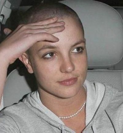 Motivações por trás da careca de Britney em 2007 são reveladas em doc inédito
