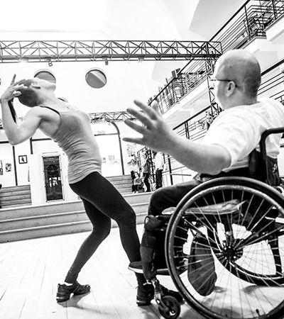 Projeto fotográfico prova que deficiência física não é obstáculo para a arte