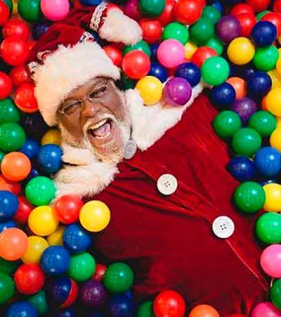 Primeiro Papai Noel negro de shoppings cariocas faz sucesso em Madureira