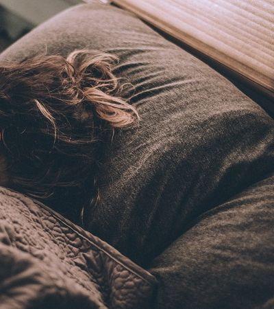 Ansiedade pode ser reduzida em 30% com sono profundo, aponta novo estudo