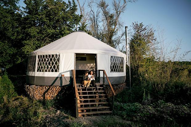 casal constroi yurt 3