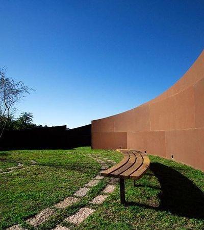 Este cemitério no Jardim Ângela tem arquitetura para confortar os vivos
