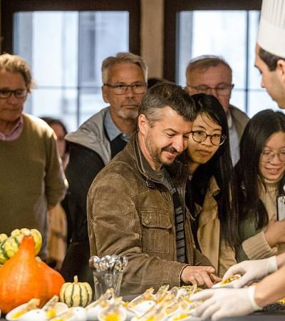Conheça o museu gastronômico que incentiva visitantes a comerem as obras