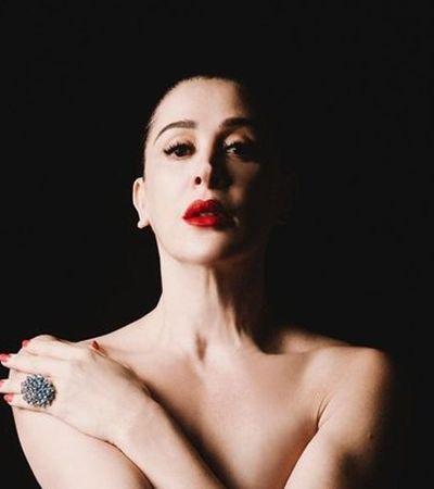 Claudia Raia posa nua e dá recado inspirador sobre relação com o corpo: 'Não posso ser sexy?'