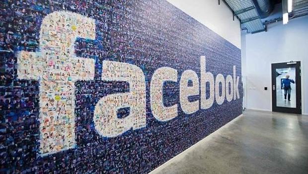 funcionários denunciam facebook 2