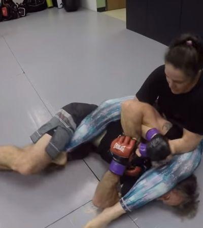 Youtuber diz que nunca seria derrotado por uma mulher e…perde para lutadora de MMA