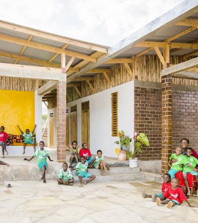 Tanzânia inaugura orfanato autossustentável inspirado em árvore