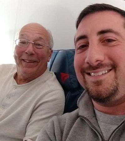 Pai faz reserva em 6 voos para passar o Natal com a filha comissária de bordo