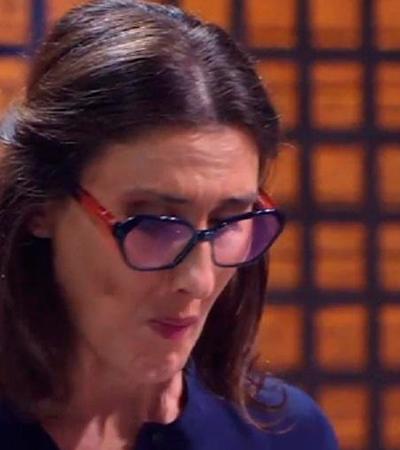 Paola Carosella sofre para provar testículo de boi: 'Não queria comer isso'
