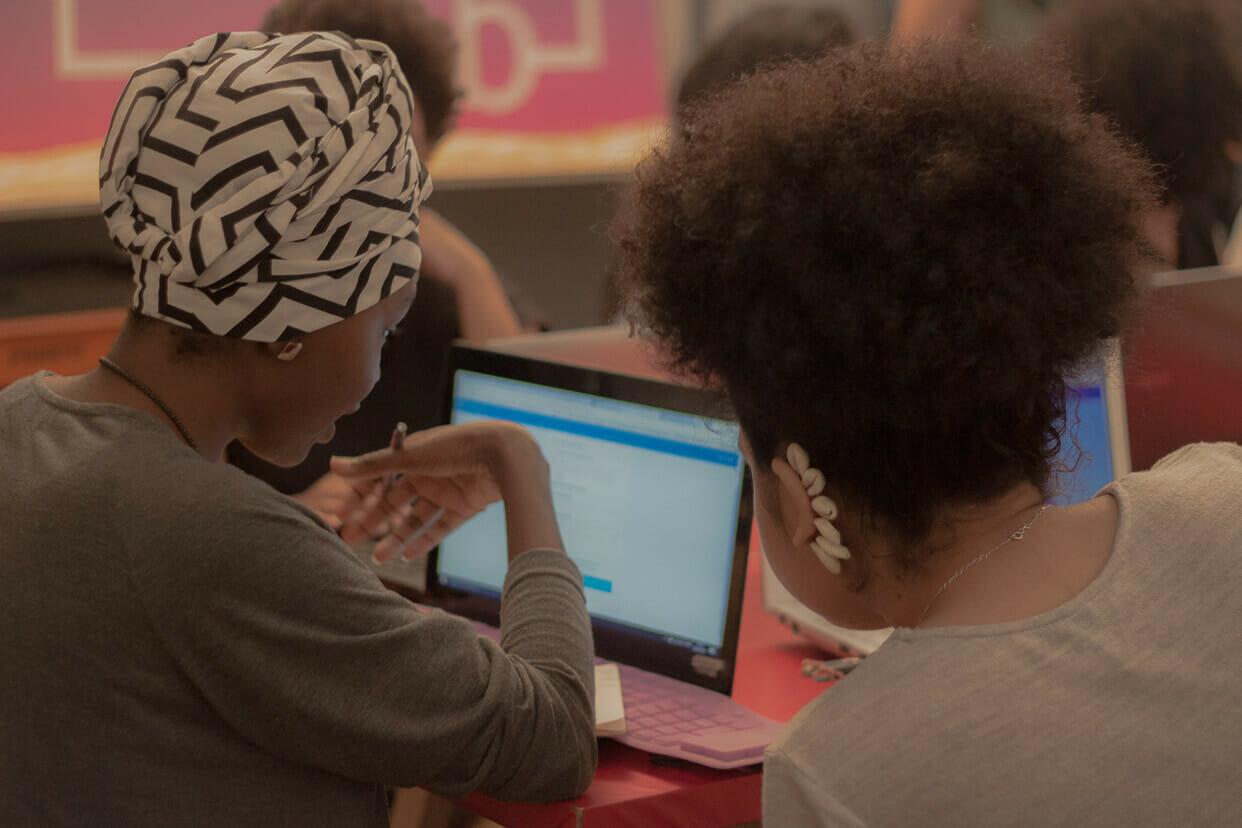 pesquisa ibge desigualdade mulheres negras 2