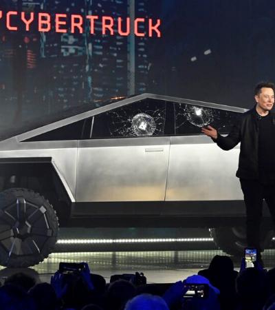 Vidro à prova de balas de picape elétrica de US$ 40 mil estoura durante apresentação de Elon Musk