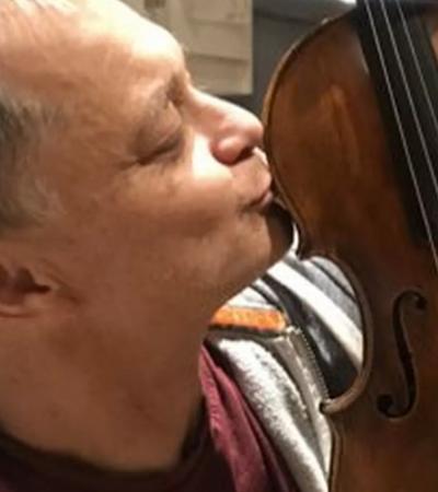 Músico recupera violino de R$ 1,3 milhão esquecido em trem