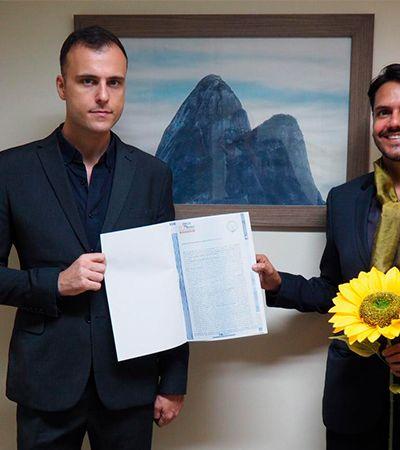 Casal homoafetivo protagoniza 1º registro de união estável no Brasil via Blockchain